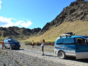 Beyond the Explored Gobi Desert Jeep Tour